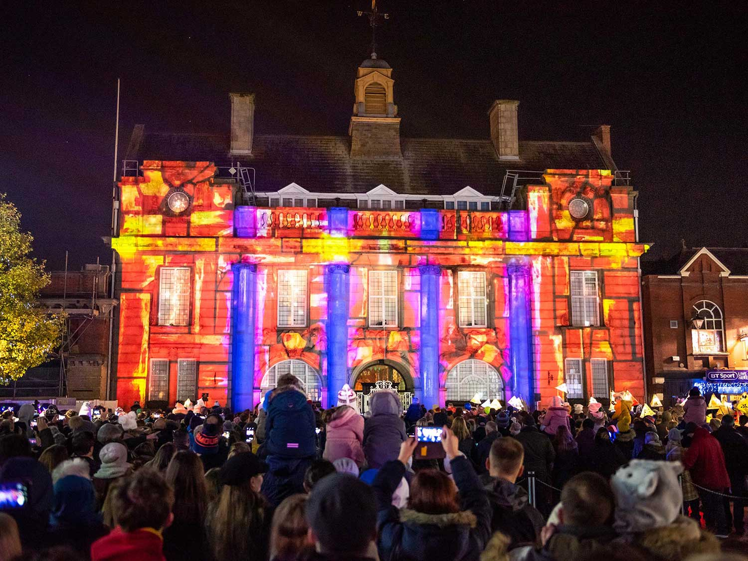 Crewe Manicipal Hall Christmas projection mapping