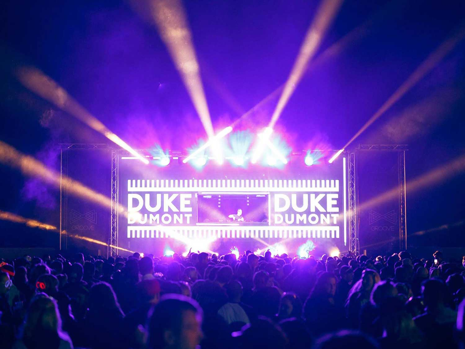 Groove VJing set projections for Duke Dumont
