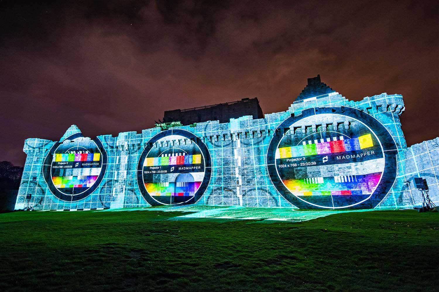 madmapper test card projection mapping onto Craigmillar Castle